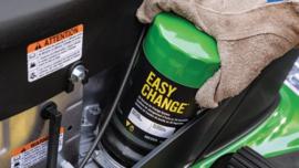 Easy Change Oil System voor John Deere X100 Serie Zitmaaiers
