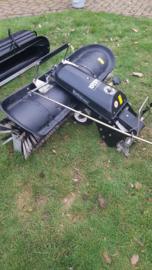Veegmachine voor Zitmaaiers + Snelkoppeling en Aanbouwdelen