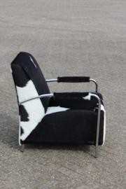 Wilma fauteuil in zwart koeienhuid (1x showroommodel)