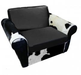 Rover loveseat in zwart koeienhuid met zwart leder