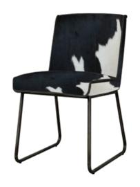 Santo stoel in zwart met wit koeienhuid
