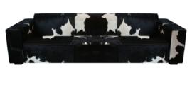 Willem  3-zitsbank in zwart met wit koeienhuid