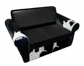 Rover 2-zitsbank in zwart koeienhuid met zwart leder