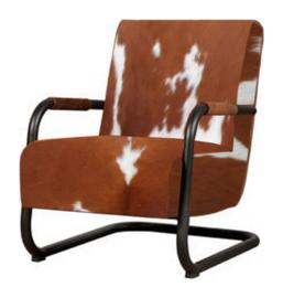 Riva fauteuil in rood/bruin met wit koeienhuid