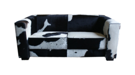 Kubus 2-zitsbank in zwart koeienhuid, smalle arm