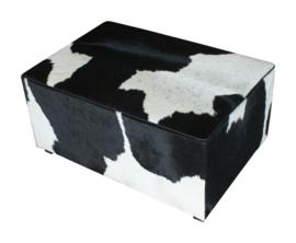 Poef , koeienhuid zwartwit, afm. 50x100x45cm