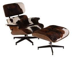 Eames Lounge herstofferen in koeienhuid
