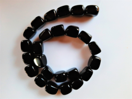 Onyx nugget kraal 14.7x16.5x11.5-13.5 mm