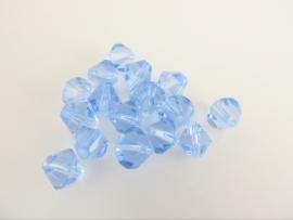 Glaskraal bicone lichtblauw 6 mm