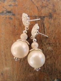 """Oorbellen """"Ivory Pearl"""""""