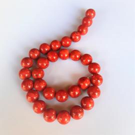 Sponskoraal rood ronde kraal 13.5 mm