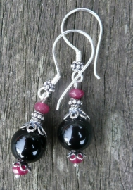 "Oorbellen ""Black Ruby"""