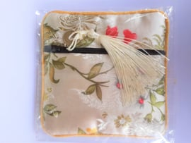 Tasje met rits chinese zijde 11.5x11.5 cm
