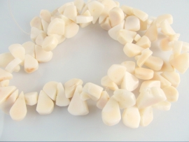 Koraal druppel kraal ivoor 14-17 mm
