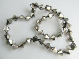 Bicone glaskraal zilverkleurig 9x8 mm