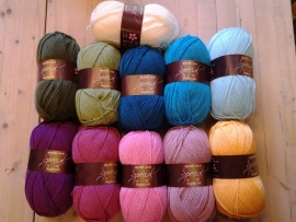 breiwol -  Pakket  Lily Pond Blanket