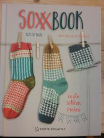 Soxxbook ~ bonte sokken breien