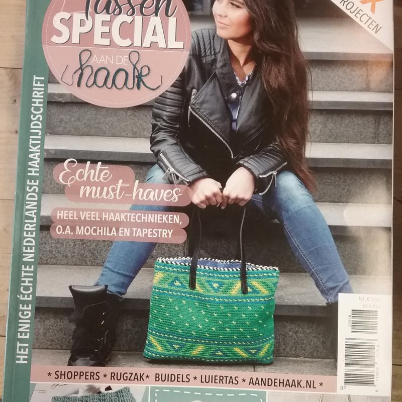 Tijdschrift  Aan de haak  15, Tassen Special