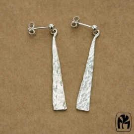 Silver earrings long triangle - Zilveren oorbellen lange driehoekjes (L6)