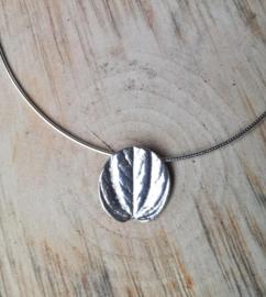 Silver pendant peperomia round - Zilveren hanger peperomia rond