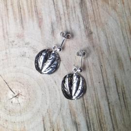 Silver earrings peperomia round - Zilveren oorbellen peperomia rond
