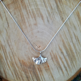 Silver pendant ginkgo - Zilveren hanger ginkgo (Ha22)