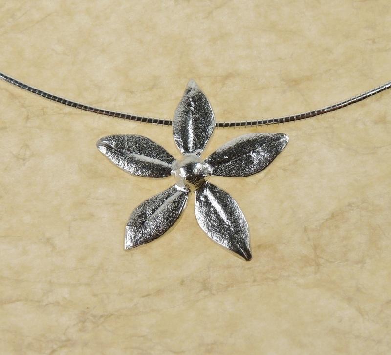 Silver pendant flower - zivleren hanger bloem (Ha 1)