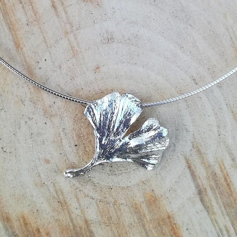Silver pendant ginkgo  - Zilveren hanger ginkgo (Ha7)