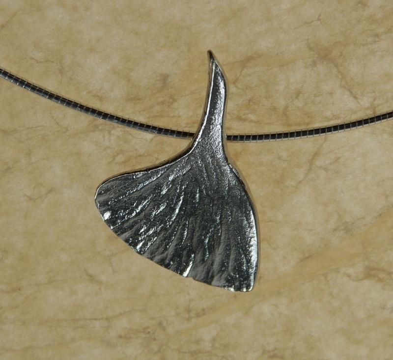 Silver pendant ginkgo - Zilveren hanger ginkgo (Ha 23)