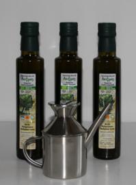 Aanbieding: T/M 31-12-19: 3 flessen 250 ml bio olijfolie extra vierge met rvs olijfkan