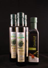 T/M 25-02=20  3X flessen 250 ml Latzimas biologische olijfolie extra vierge 1XBiologische balsamico kalamata azijn, 250 ml