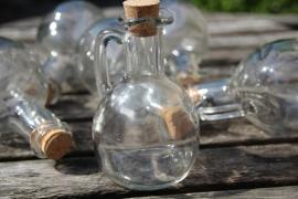 Oliekannetje  van glas inhoud 150 ml