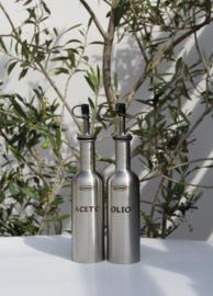 Sansone Set van 2 luxe roestvrijstalen bewaarflesjes voor olijfolie en azijn ( olio & aceto)