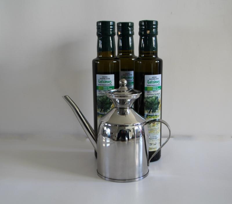 T/M 20-12-19 3 flessen 250 ml Latzimas biologische olijfolie extra vierge & olijfolie kan  van 18/8 roestvrij staal