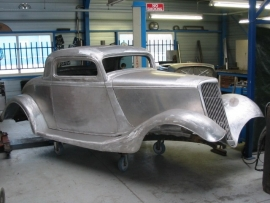 FORD THREE WINDOW COUPE    1933/34      ( SOLD )