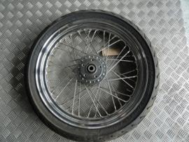 wheels , rims , spokes , hubs and axles