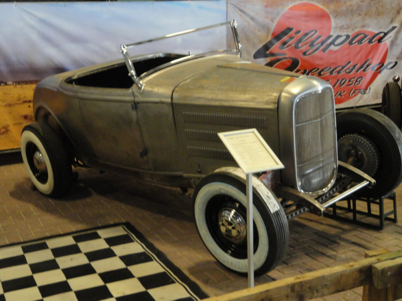 FORD 1932 ROADSTER / BLOWN FLATHEAD