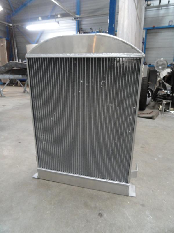 RADIATOR  FLATHEAD V8  FORD 1930 1931 1932