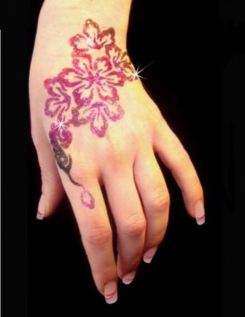 hennaglitteringhanddecoration.jpg