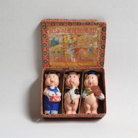 drie biggetjes beeldjes biscuit three little pigs bisque in box japan disney 1930s
