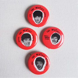beatles, the buttons 4x pins complete set NEW
