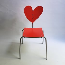 kinderstoel hart children's chair spain agatha ruiz de la prada 1990s