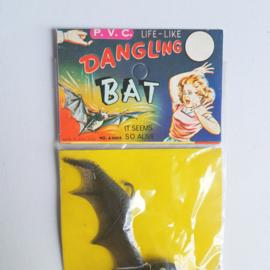 halloween vleermuis dangling bat in package 1960s