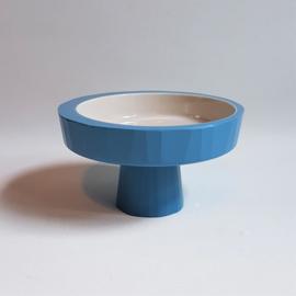 kate chung hapjesschaal op voet blauw DOU bowl 2009
