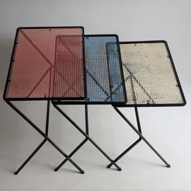 tafel bijzettafel 3x nesting tables matieu mategot 1960s