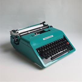 typewriter olivetti studio 45 turquoise typemachine ettorre sottsass 1967