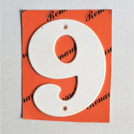 "huisnummer "" 9 ""  wit metaal space age white house number metal 1970s"