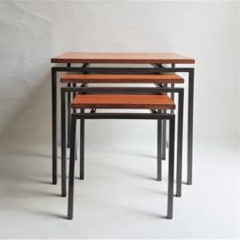 tafel bijzettafel 3x side tables mimiset pastoe cees braakman 1960s