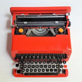 typewriter olivetti valentine typemachine ettorre sottsass 1969