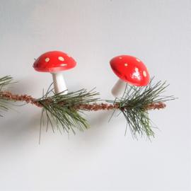 kerstversiering rood 2x paddestoel christmas mushroom 1930s - 1960s